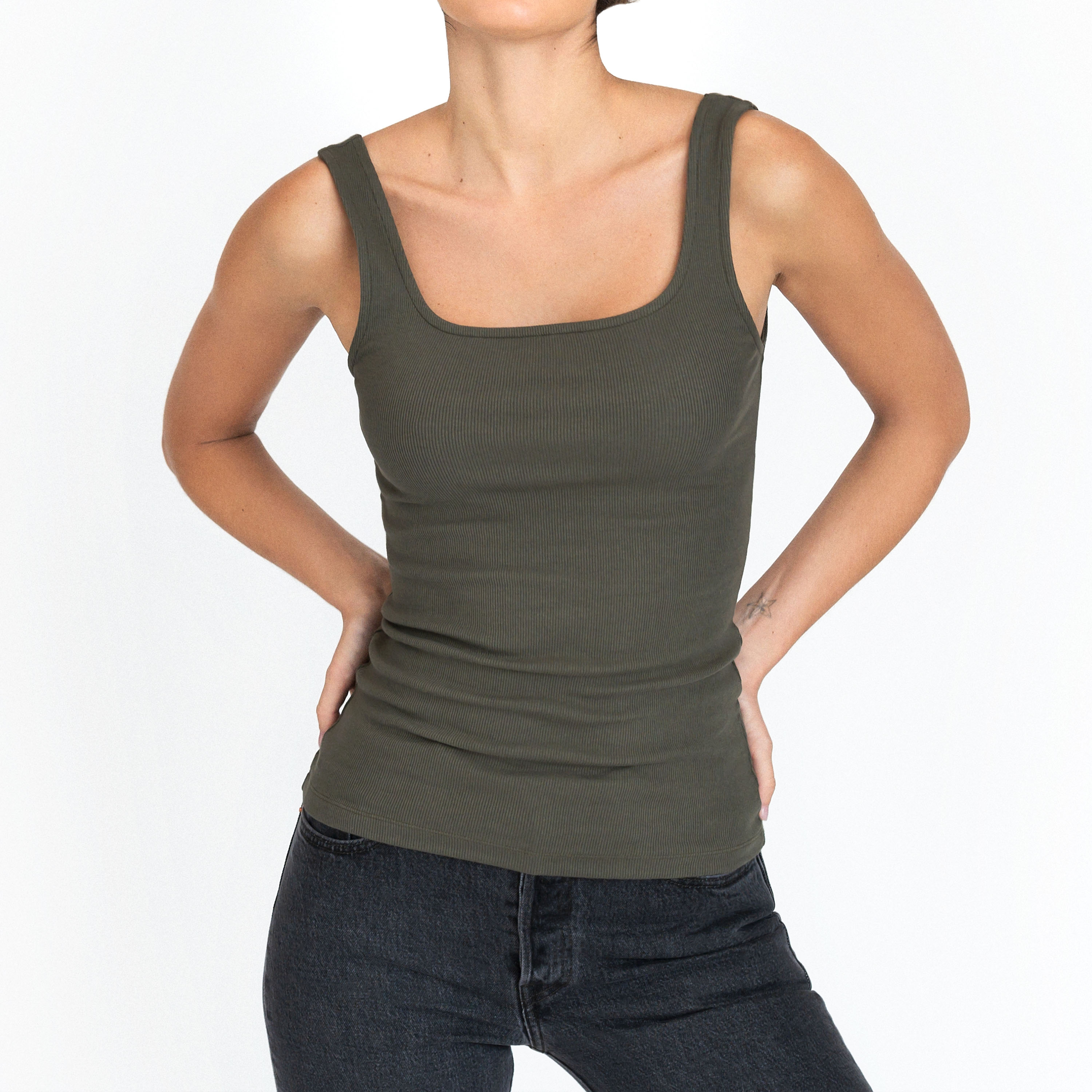 632-40_Tank_olive-green_1